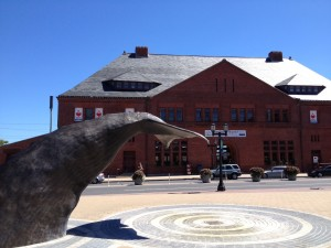 A whale sculpture in front of the New London Maritime Museum.