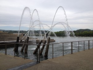 A wonderful fountain of cannons on the river in Chattanooga. (At least I think they are cannons).