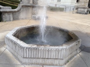 Various fountains around town bring the underground steaming water to the surface.