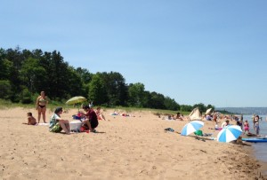 Park Point Beach on a skinny peninsula between Lake Superior and Superior Bay.