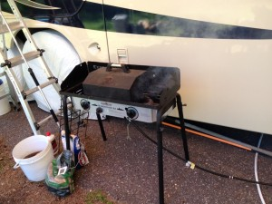 Mike's make-shift smoker. Works amazingly well!