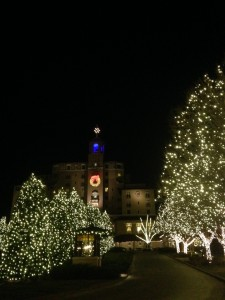 We decided to go see the historic Broadmoor Hotel at night because we knew the lights would be fabulous. We were right.