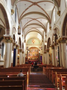 Inside the basilica of Santa Fe.