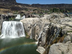 The full view of Shoshone Falls, complete with an enchanting rainbow and everything!